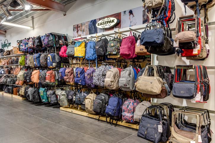 Guess Tassen Schoudertassen kopen | Van Os tassen en koffers